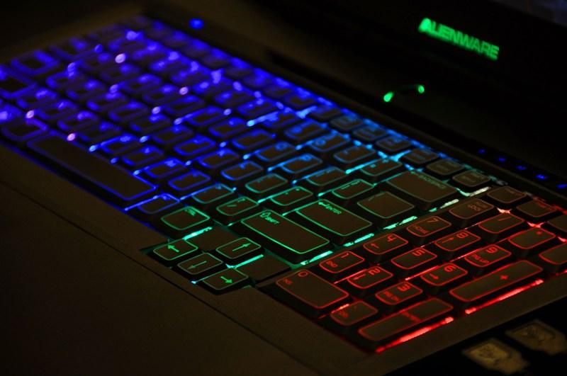 Thay bàn phím laptop bao nhiêu tiền